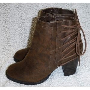 Madden Girl brown back lace-up boots